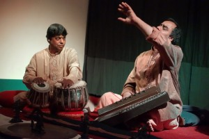Pandit Shyam Sundar Goswami: chants khyal