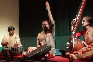 Pandit Shyam Sundar Goswami chants khyal
